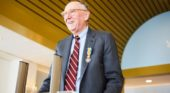 Koninklijke onderscheiding voor Jack Dangermond van Esri